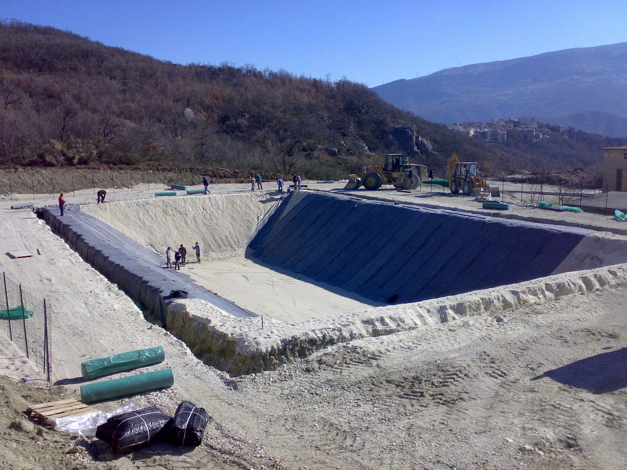 Benza laghi artificiali per irrigazione antincendio for Vasca laghetto rettangolare