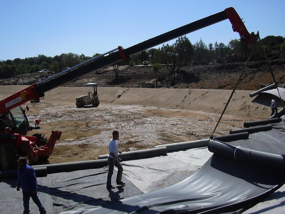 Benza grandi laghi artificiali ornamentali for Teli impermeabili per laghetti prezzi
