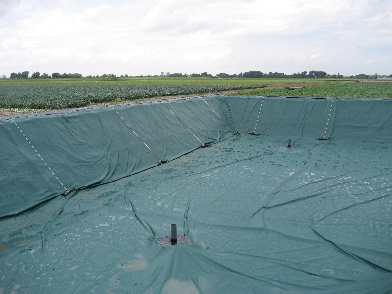 Benza vasche prefabbricate per la zootecnia laghi per for Teli laghetti artificiali