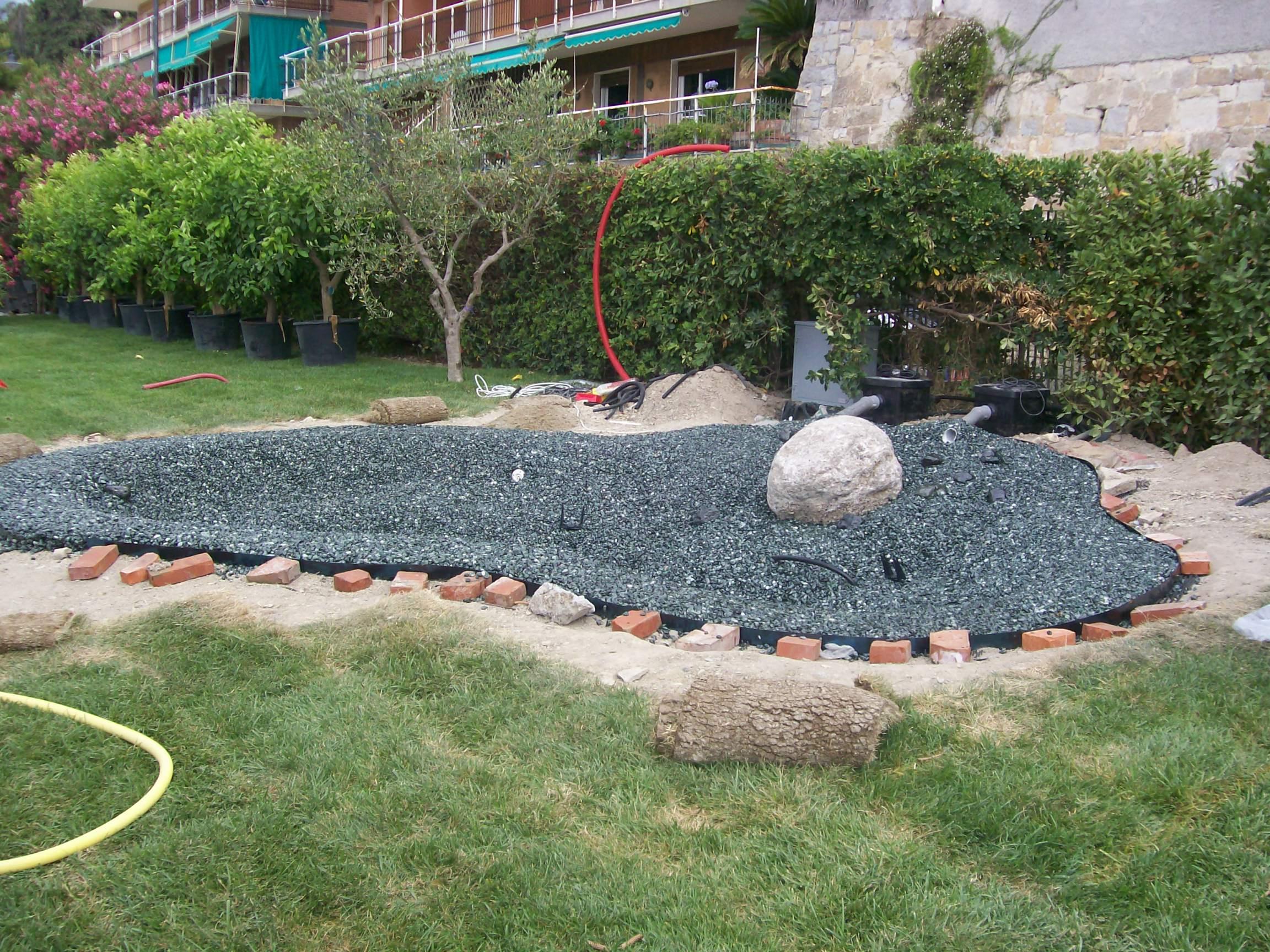 Benza laghetti da giardino cascate e ruscelli artificiali - Laghetto per giardino ...