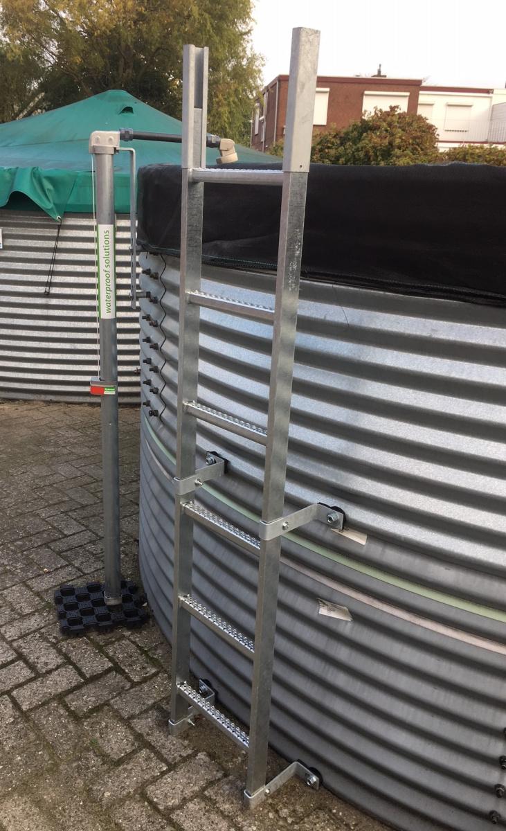 Scale Prefabbricate Per Esterni Sardegna benza: accessori per vasche in acciaio